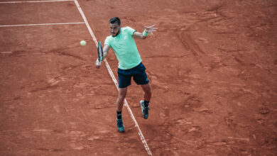 Photo of Dzumhur ousts Ruud in straight sets